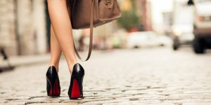 How To Walk In High Heels Properly And Look SEXY! [7 TIPS]