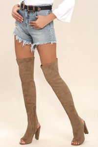 2b68e1bfe54 If there is one thing Steve Madden does good is their Over The Knee Boots.  So we have found the FIVE best that are currently on sale for a pretty ...