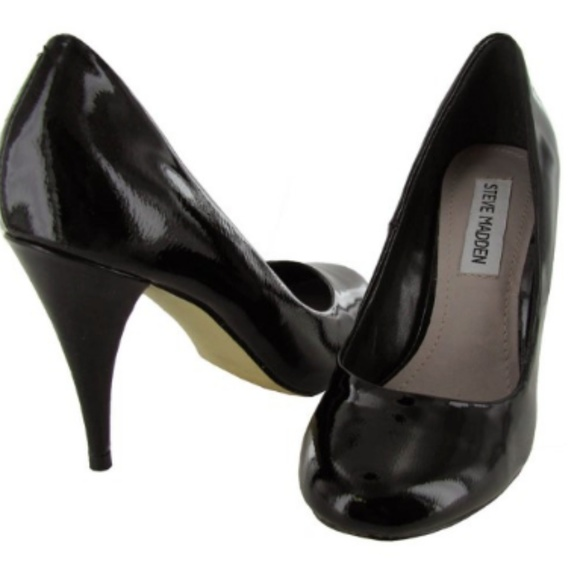 """940f9880bc2d Let s go back to the basics and talk about what the classic pump heel says  about a woman s wardrobe. A heel like The Steve Madden """"Unityy"""" pump is the  ..."""